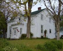 Front and west elevation, John Locke Homestead, Lockeport, 2004.; Heritage Division, NS Dept. of Tourism, Culture and Heritage, 2004.