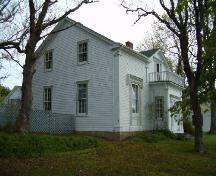 Front and east elevation, John Locke Homestead, Lockeport, 2004.; Heritage Division, NS Dept. of Tourism, Culture and Heritage, 2004.