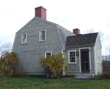 East elevation, Jeremiah Calkin House, Grand Pre, NS, 2006.; Heritage Division, NS Dept. of Tourism, Culture and Heritage, 2006.