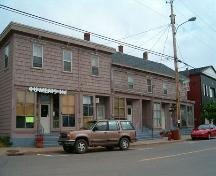 Front elevation, Manning Block, Parrsboro, NS, 2005.; Heritage Division, NS Dept. of Tourism, Culture and Heritage, 2005.