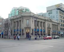 Exterior view of the Merchant's Bank of Canada, 2004.; City of Victoria, Steve Barber, 2004.
