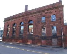 Bank of Montreal Building, Amherst NS, LaPlanche Street facade.; Heritage Division, Nova Scotia Department of Tourism, Culture and Heritage, 2006.