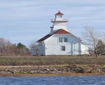West elevation, Mullins Point Lighthouse, North Wallace, Nova Scotia, 2006.  ; Heritage Division, NS Dept. of Tourism, Culture and Heritage, 2006.