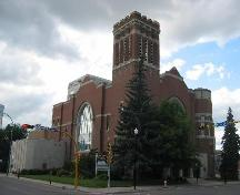 View from Victoria Ave of Knox-Metropolitan United Church, 2006.; Clint Robertson, 2006.