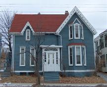 Front elevation, Henry Elliot House, Dartmouth, Nova Scotia, 2007.; HRM Planning and Development Services, Heritage Property Program, 2007.