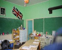 Interior classroom of the Ravineside School, 2006.; Ross Herrington, 2006.