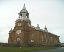 Front and south elevation, Paroisse Saint-Pierre, Chéticamp, Nova Scotia, 2004.; Heritage Division, NS Dept. of Tourism, Culture and Heritage, 2004.