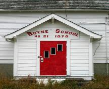 Porch door detail of Boyne School, Carman area, 2005; Historic Resources Branch, Manitoba Culture, Heritage and Tourism, 2005