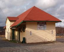 Exterior photo of Canadian National Railway Station showing side and rear, 2006/11/20.; L Maynard, HFNL 2006