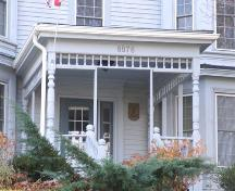 Front entrance, Turner House, New Minas, Nova Scotia, 2006. ; Heritage Division, NS Dept. of Tourism, Culture and Heritage, 2006.