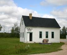View of the South and West Faces of Willow Plain School, Sarto area, 2004; Historic Resources Branch, Manitoba Culture, Heritage and Tourism, 2004