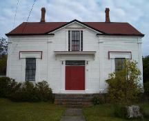 Front elevation, Jacob Locke Homestead, Lockeport, 2004.; Heritage Division, NS Dept. of Tourism, Culture and Heritage, 2004.