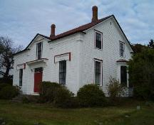 Front and west elevation, Jacob Locke Homestead, Lockeport, 2004.; Heritage Division, NS Dept. of Tourism, Culture and Heritage, 2004.