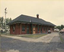 Corner view of the Saint-Jean-d'Iberville Railway Station (Grand Trunk), 1992.; Parks Canada Agency/ Agence Parcs Canada, 1992.