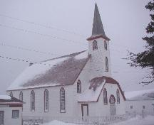 Photo exterior view of front and left sides of Elliston United Church, Elliston, NL, 2006/01/12; L Maynard, HFNL, 2007