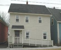 Front elevation of 174 St George Street, Annapolis Royal, Nova Scotia; Heritage Division, NS Dept. of Tourism, Culture and Heritage, 2007