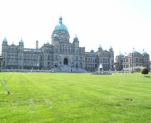 Exterior view of the B.C. Legislature, 2004.; City of Victoria, Liberty Walton, 2004.