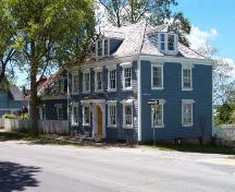 Front and north elevations, White-Irwin House, Shelburne, NS, 2005.; Heritage Division, NS Dept. of Tourism, Culture and Heritage, 2005.