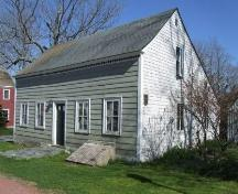 Front and west elevation, Shakespear House, Shelburne, Nova Scotia, 2007. ; Heritage Division, NS Dept. of Tourism, Culture and Heritage, 2007.