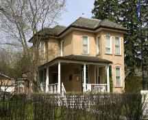 View of main elevation of the Margaret Laurence House, Neepawa, 2005; Historic Resources Branch, Manitoba Culture, Heritage and Tourism, 2005