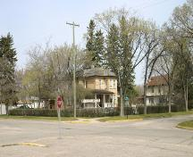 Context view of the Margaret Laurence House, Neepawa, 2005; Historic Resources Branch, Manitoba Culture, Heritage and Tourism, 2005