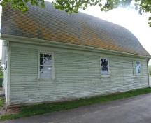 East elevation, Sanford Barn, North Medford, Nova Scotia, 2007. ; Heritage Division, NS Dept. of Tourism, Culture and Heritage, 2007.