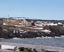Photo view of Robert Tilley House (showing front gable end and right side) and environs, Elliston, NL, 2007/03/26; L Maynard, HFNL, 2007