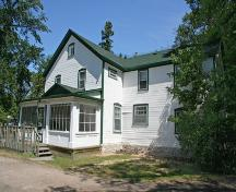 Primary elevations, from the southeast, of Inkster House (Bleak House), Winnipeg, 2006; Historic Resources Branch, Manitoba Culture, Heritage and Tourism 2006