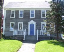 Front elevation, Elisha Calkin House, Liverpool, Nova Scotia, 2007.; Heritage Division, NS Dept. of Tourism, Culture and Heritage, 2007.