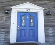 Front entrance, Elisha Calkin House, Liverpool, Nova Scotia, 2007. ; Heritage Division, NS Dept. of Tourism, Culture and Heritage, 2007.