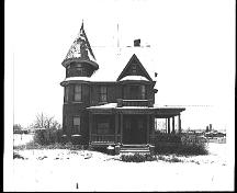 Exterior north view of the Cronquist House on its original location (1975); Cronquist House Archives, A 87.122