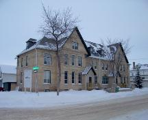 Primary elevation, from the southwest, of Lorne Terrace, Brandon, 2005; Historic Resources Branch, Manitoba Culture, Heritage and Tourism, 2005