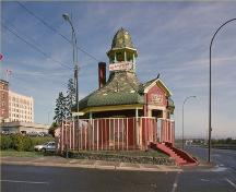 General view of Thunder Bay Tourist Pagoda, 1988.; Parks Canada Agency/Agence Parcs Canada, 1988.