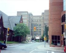 General view of Women's College Hospital, 1995.; Agence Parcs Canada/ Parks Canada Agency, Leslie Maitland, 1995.