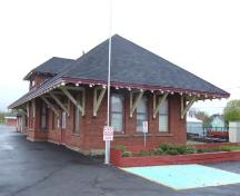 Front and north elevation, CN Train Station, Sydney Mines, Nova Scotia, 2007. ; Heritage Division, NS Dept. of Tourism, Culture and Heritage, 2007.
