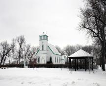 Contextual view of St. Alban's Anglican Church, Oak Lake, 2005; Historic Resources Branch, Manitoba Culture, Heritage and Tourism, 2005