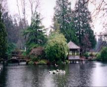 General view of the Japanese Garden in Hatley Park, 1995.; Parks Canada Agency/Agence Parcs Canada, L. Maitland, 1995.