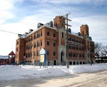 Primary elevations, from the southeast, of Earl Grey School, Winnipeg, 2005; Historic Resources Branch, Manitoba Culture, Heritage and Tourism 2005