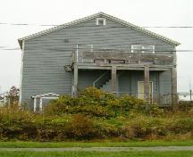 Rear elevation, Navy League Building, Louisbourg, Nova Scotia, 2004. ; Heritage Division, NS Dept. of Tourism, Culture and Heritage, 2004.