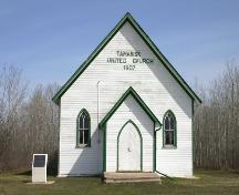 View of main facade of the Tamarisk United Church, (near Grandview), 2005; Historic Resources Branch, Manitoba Culture, Heritage and Tourism, 2005