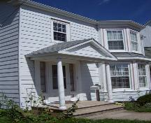Portico, 263 Granville Street West, Bridgetown, NS, 2007.; Heritage Division, NS Dept. of Tourism, Culture and Heritage, 2007.