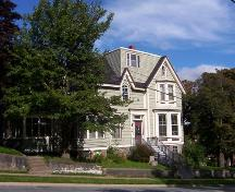 Front elevation, 70 Victoria Road, Halifax, NS, 2007; Heritage Division, NS Dept. of Tourism, Culture and Heritage, 2007