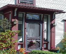 Boehner House, New Town Lunenburg, front entrance, 2004; Heritage Division, NS Dept. of Tourism, Culture and Heritage, 2004