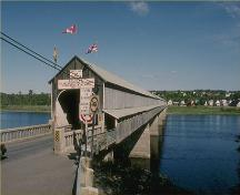 Entrance to the Hartland Covered Bridge National Historic Site of Canada, 1987.; Parks Canada Agency /Agence Parcs Canada, 1987.