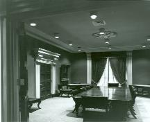Photo of the John Counter Room inside Kingston City Hall, 1974.; Queen's University Archives, E. Erkan, 1974.