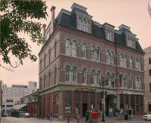 Corner view of the Saint John City Market, showing the prominent downtown location at the northwestern corner of King Square, 1987.; Parks Canada Agency/ Agence Parcs Canada, 1987.