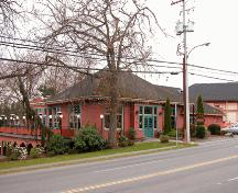 Exterior view of the Old Municipal Hall.; Derek Trachsel, District of Saanich, 2004.