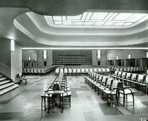 Photograph of the Eaton's 7th Floor Auditorium, c. 1930.; Eaton's of Canada Ltd. / Eaton Canada ltée., c. 1930.
