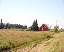 Contextual view, from the southeast, of the Buztynski House, Moosehorn, 2006; Historic Resources Branch, Manitoba Culture, Heritage and Tourism, 2006