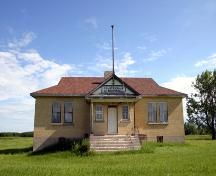 Primary elevation, from the south, of Coultervale School, Coulter area, 2006; Historic Resources Branch, Manitoba Culture, Heritage and Tourism, 2006
